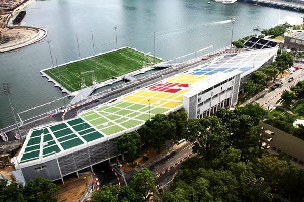 diaforetiko.gr : marinabay21 Κατασκεύασαν γήπεδο ποδοσφαίρου μέσα στη θάλασσα!