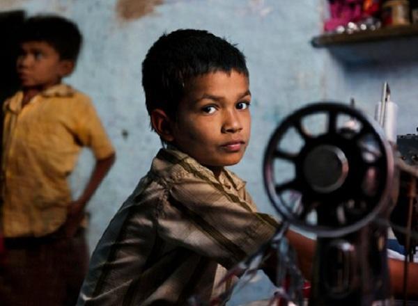 diaforetiko.gr : 2b402 1 Παιδική εργασία ανά τον κόσμο! Φωτογραφίες που κόβουν την ανάσα, που ο καθένας πρέπει να δει!