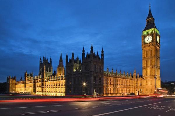 houses-of-parliament-and-big-ben-at-night-dennis-flaherty