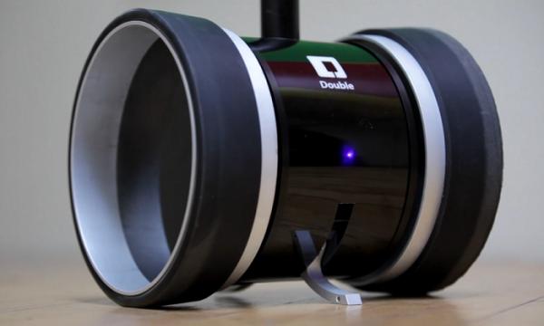 diaforetiko.gr : Double Telepresence Robot 001 600x360 Double: Ένα ρομπότ που αντικαθιστά τον εργαζόμενο στο χώρο εργασίας! (βίντεο)