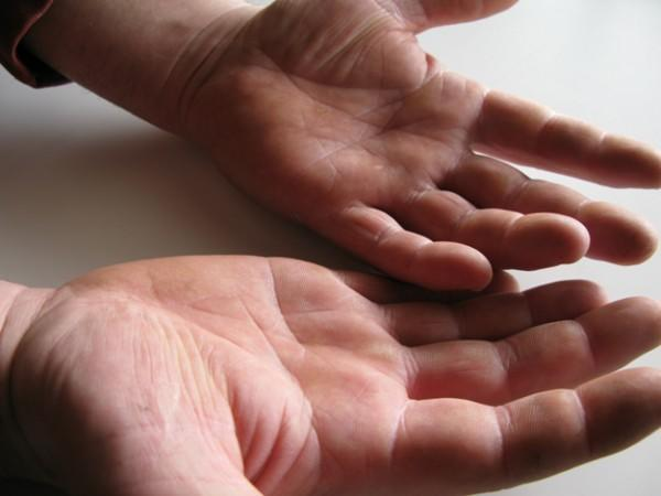 diaforetiko.gr : IMG 71421 600x450 ΑΓΟΡΙΑ...ΔΕΙΞΤΕ ΜΑΣ ΤΑ ΧΕΡΙΑ ΣΑΣ!!! Μάθε τώρα πως σχετίζονται τα ανδρικά χέρια με το αν...ένας άνδρας είναι ΠΡΟΙΚΙΣΜΕΝΟΣ!!!