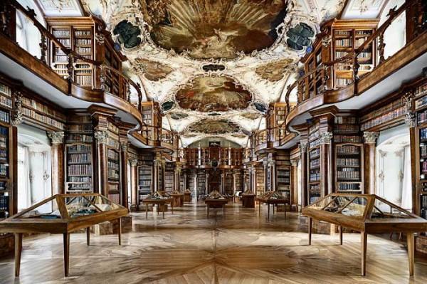 diaforetiko.gr : abbey library 600x399 Η μεγαλύτερη και πιο όμορφη μοναστική βιβλιοθήκη στον κόσμο