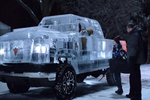 diaforetiko.gr : pickup ice 700x393 600x402 Έφτιαξαν φορτηγό από πάγο το οποίο...λειτουργεί κανονικά! (βίντεο)
