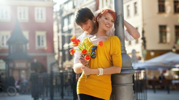 6 παράξενοι λόγοι που κρατούν ευτυχισμένα τα ζευγάρια