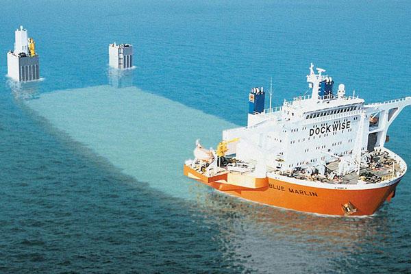 blue marlin 1 Το πιο παράξενο και δυνατό πλοίο στον πλανήτη! Αν δείτε τι μπορεί να μεταφέρει, θα συμφωνήσετε!