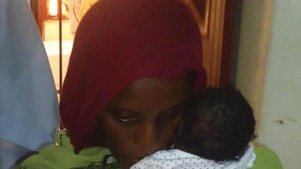 diaforetiko.gr : 4e5f68ccd7846cf4261b9c1f918993e3 XL 600x337 Η απόλυτη ΦΡΙΚΗ στο Σουδάν: «Η κόρη μου είναι ανάπηρη επειδή γέννησα με τα πόδια μου αλυσοδεμένα»