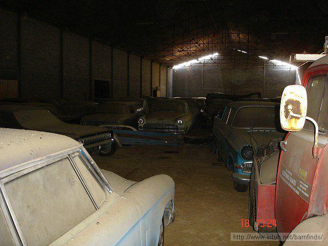 Warehouse 22 Ένας φωτογράφος βρέθηκε μπροστά σε αυτή την αποθήκη...Αυτό που βρήκε μέσα, δεν το περίμενε ποτέ!
