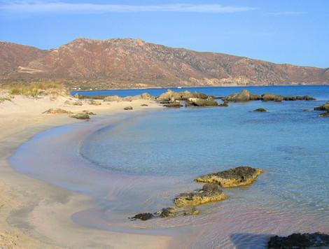 diaforetiko.gr : rozparalia 7 Η ροζ παραλία της Κρήτης που θυμίζει τροπικούς παραδείσους – Πώς απέκτησε τα υπέροχο χρώμα της!
