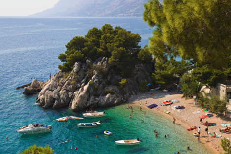 diaforetiko.gr : brela 4 Το άγνωστο ψαροχώρι της Μεσογείου που ζαλίζει με την σπάνια ομορφιά του