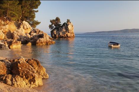 diaforetiko.gr : brela 6 Το άγνωστο ψαροχώρι της Μεσογείου που ζαλίζει με την σπάνια ομορφιά του