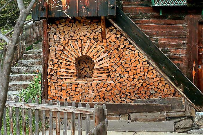 diaforetiko.gr : wood pile art 12 Σωροί από καυσόξυλα μετατρέπονται σε.. έργα τέχνης! Όταν η δημιουργικότητα παντρεύεται με την έμπνευση…