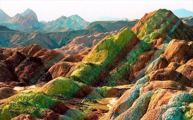 diaforetiko.gr : xroma1 Τοποθεσίες στον πλανήτη με εκπληκτικά χρώματα! Το θαύμα της φύσης στα καλύτερα του…