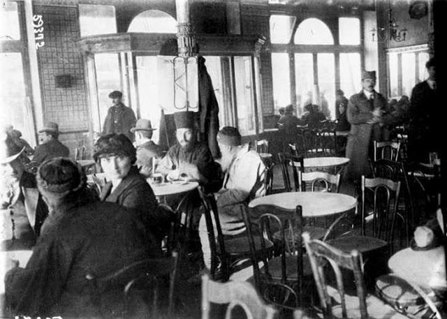 1916 25ce259a25ce25b125cf258625ce25b525ce25bd25ce25b525ce25af25ce25bf25cf258325cf258425ce25b725ce259825ce25b525cf258325cf258325ce25b125ce25bb25ce25bf25ce25bd2 Σπάνιες ελληνικές φωτογραφίες που σίγουρα δεν έχετε ξαναδεί
