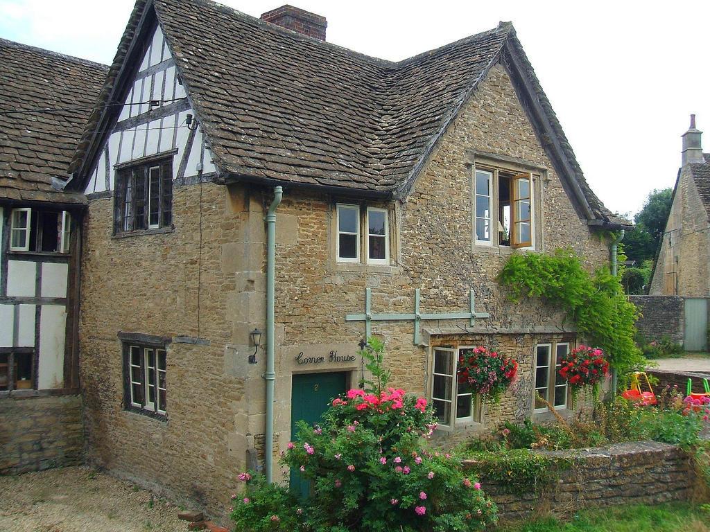 3145126685 2948b89db1 b Πέρα από το Λονδίνο: Αυτά είναι τα τρια πιο παραμυθένια χωριά της Αγγλικής επαρχίας!