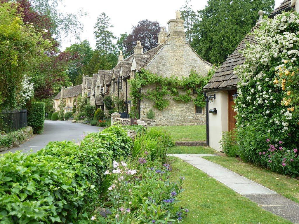 53475819 Πέρα από το Λονδίνο: Αυτά είναι τα τρια πιο παραμυθένια χωριά της Αγγλικής επαρχίας!