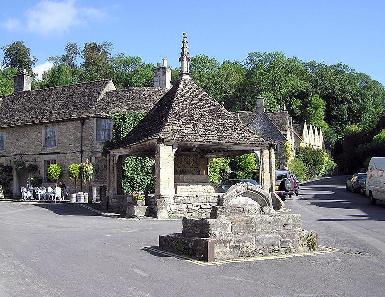 778px Castle.combe .cross .arp Πέρα από το Λονδίνο: Αυτά είναι τα τρια πιο παραμυθένια χωριά της Αγγλικής επαρχίας!