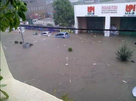 79638 178134 Το φωτορεπορτάζ των πολιτών και η οργή για τις πλημμύρες: «Η Αθήνα βούλιαξε...»
