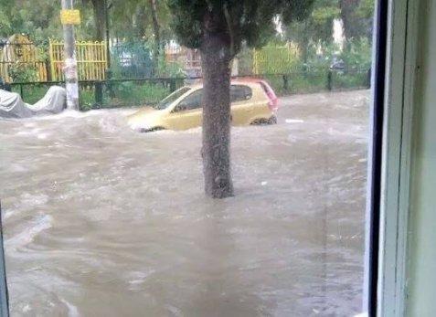 79638 178136 Το φωτορεπορτάζ των πολιτών και η οργή για τις πλημμύρες: «Η Αθήνα βούλιαξε...»