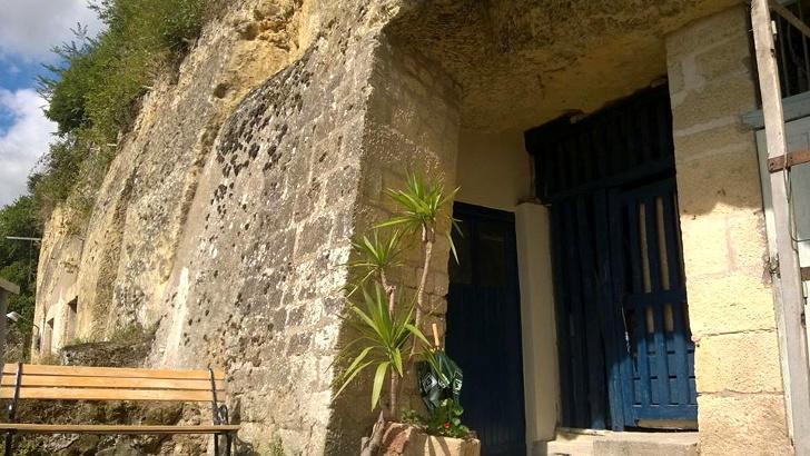 tilestwra.gr : chez2 Πήραν ένα μικρό δάνειο και έφτιαξαν το σπίτι των ονείρων τους μέσα σε μια σπηλιά!
