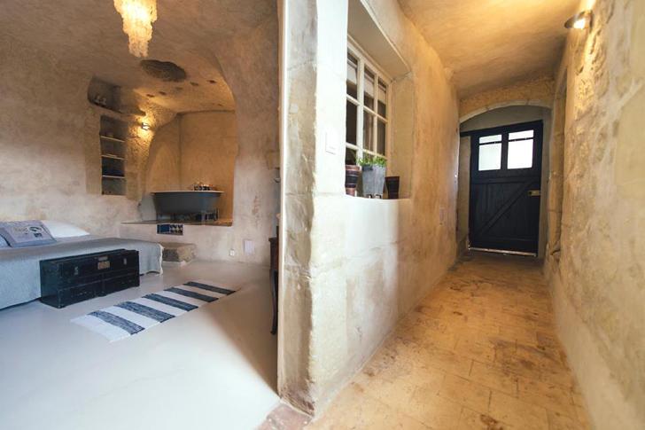 tilestwra.gr : chez3 Πήραν ένα μικρό δάνειο και έφτιαξαν το σπίτι των ονείρων τους μέσα σε μια σπηλιά!