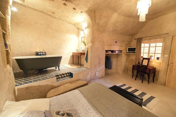 tilestwra.gr : chez6 Πήραν ένα μικρό δάνειο και έφτιαξαν το σπίτι των ονείρων τους μέσα σε μια σπηλιά!