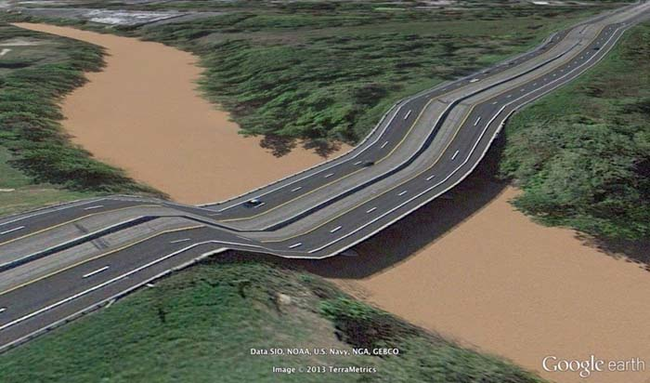tilestwra.gr : desktop 1412354776 Αν οι δρόμοι έμοιαζαν έστω και λίγο με τις φωτογραφίες τους στο Google Earth, θα το σκεφτόσασταν πολύ να οδηγήσετε ξανά !!!