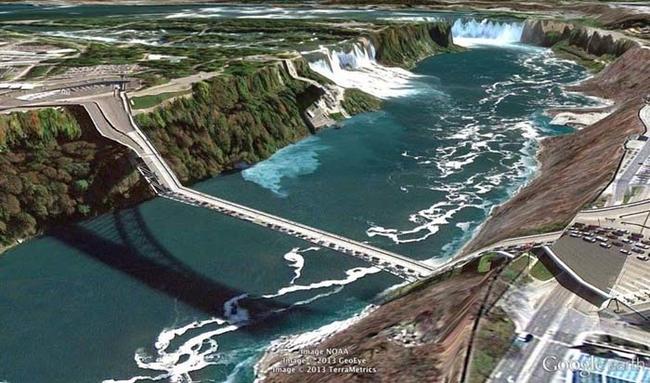 tilestwra.gr : desktop 14123547791 Αν οι δρόμοι έμοιαζαν έστω και λίγο με τις φωτογραφίες τους στο Google Earth, θα το σκεφτόσασταν πολύ να οδηγήσετε ξανά !!!