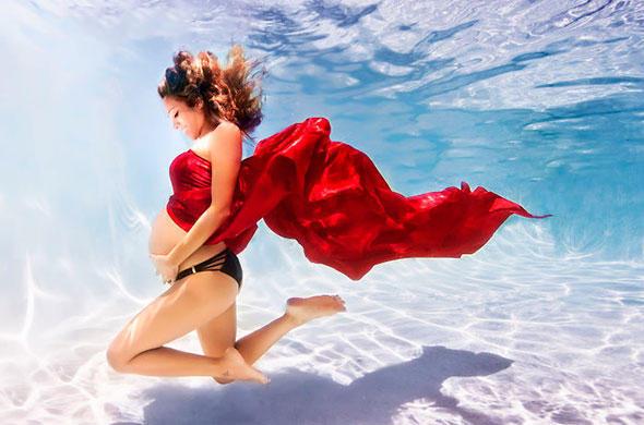 diaforetiko.gr : egkuos nero 590 6 Φανταστικές φωτογραφίες εγκύων κάτω από το νερό!