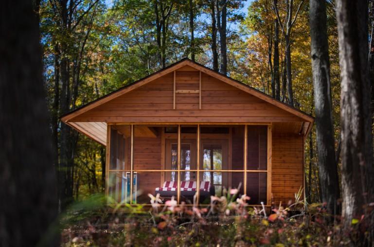 diaforetiko.gr : escape mobile cabin 2 Το σπίτι των ονείρων σας: Μοιάζει με μια παλιά ξύλινη καλύβα των 47 τ.μ.... αλλά στο εσωτερικό της κρύβεται ένα διακοσμητικό θαύμα!!!