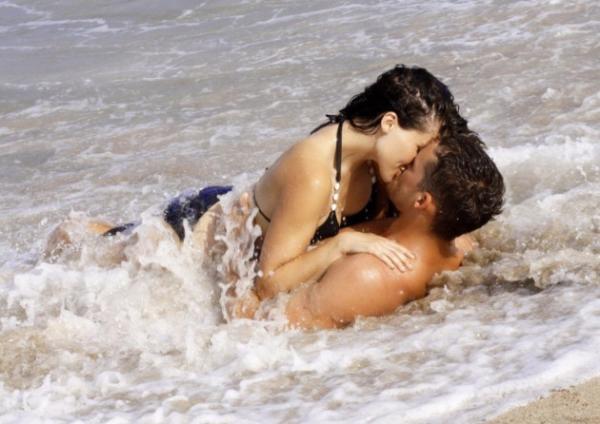 Αποτέλεσμα εικόνας για Έρωτα κάνουν οι ψυχές, το «sex» είναι για τις σάρκες.