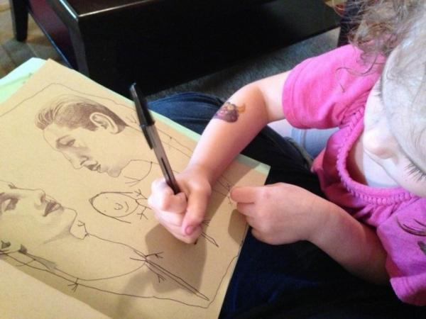 diaforetiko.gr : mikri zografos3 600x450 Όταν αυτό το 4χρονο κοριτσάκι ζωγράφιζε η μητέρα της δεν φανταζόταν τι θα ακολουθούσε…