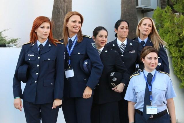 diaforetiko.gr : pol1 Αυτές είναι οι πιο όμορφες αμαζόνες της αστυνομίας παγκοσμίως! Βρέθηκαν στην Κρήτη και τράβηξαν επάνω τους όλα τα βλέμματα. !!!