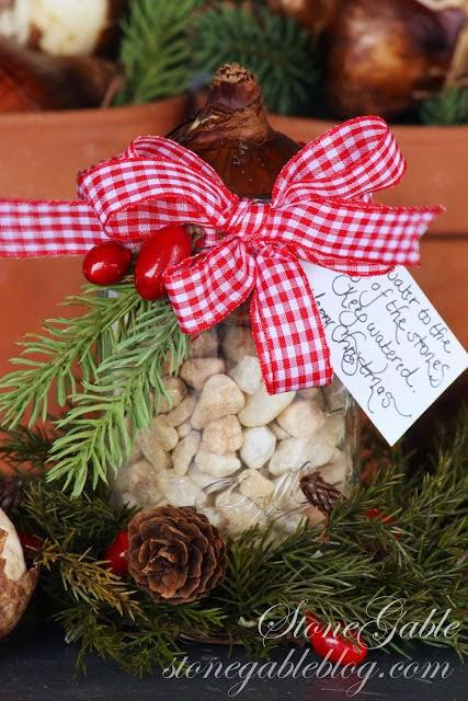 diaforetiko.gr : diy xristougeniatikes idees me adeia vaza2 35 Χριστουγεννιάτικες κατασκευές απο άδεια γυάλινα βάζα!