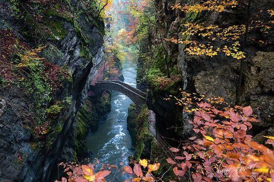 diaforetiko.gr : gorge Φοβερές εικόνες: Οι 20 ωραιότερες γέφυρες του κόσμου! Ανάμεσα τους και μια ελληνική !!