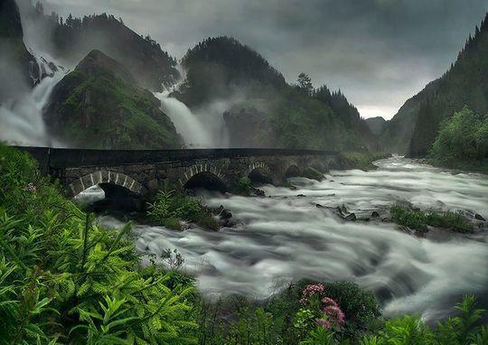 diaforetiko.gr : latefosen Φοβερές εικόνες: Οι 20 ωραιότερες γέφυρες του κόσμου! Ανάμεσα τους και μια ελληνική !!