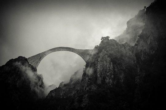 diaforetiko.gr : pindos Φοβερές εικόνες: Οι 20 ωραιότερες γέφυρες του κόσμου! Ανάμεσα τους και μια ελληνική !!