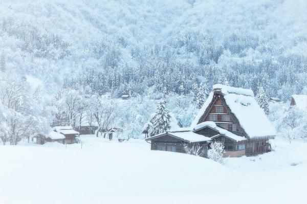 diaforetiko.gr : 1324 600x399 20 μοναχικά μικροσκοπικά σπίτια παραδομένα στη μαγεία του χειμώνα.