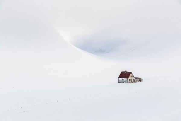 diaforetiko.gr : 1715 600x400 20 μοναχικά μικροσκοπικά σπίτια παραδομένα στη μαγεία του χειμώνα.