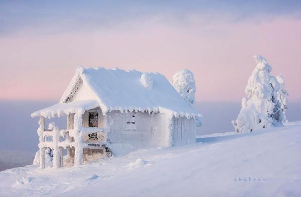 diaforetiko.gr : 818 600x393 20 μοναχικά μικροσκοπικά σπίτια παραδομένα στη μαγεία του χειμώνα.