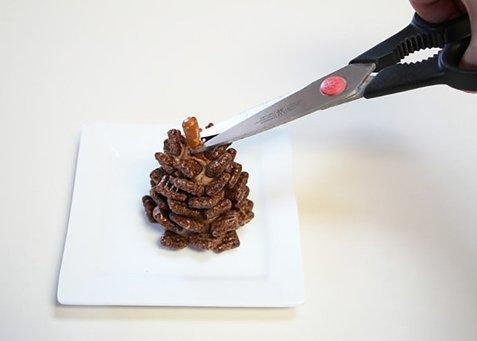 diaforetiko.gr : 83080 185732 Χριστουγεννιάτικα σοκολατένια κουκουνάρια! Έρχονται γιορτές, ετοιμάστε γλυκά!