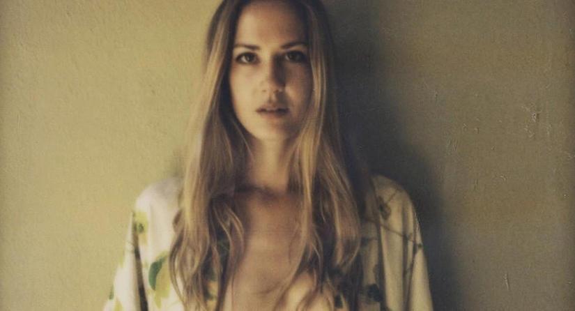 diaforetiko.gr : ChuckGrant1 10 celebrities που οι αδερφές τους είναι ομορφότερες από αυτές!