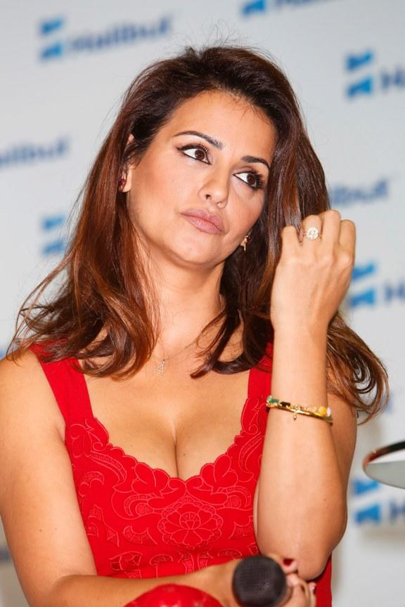 diaforetiko.gr : spl864825 014 10 celebrities που οι αδερφές τους είναι ομορφότερες από αυτές!