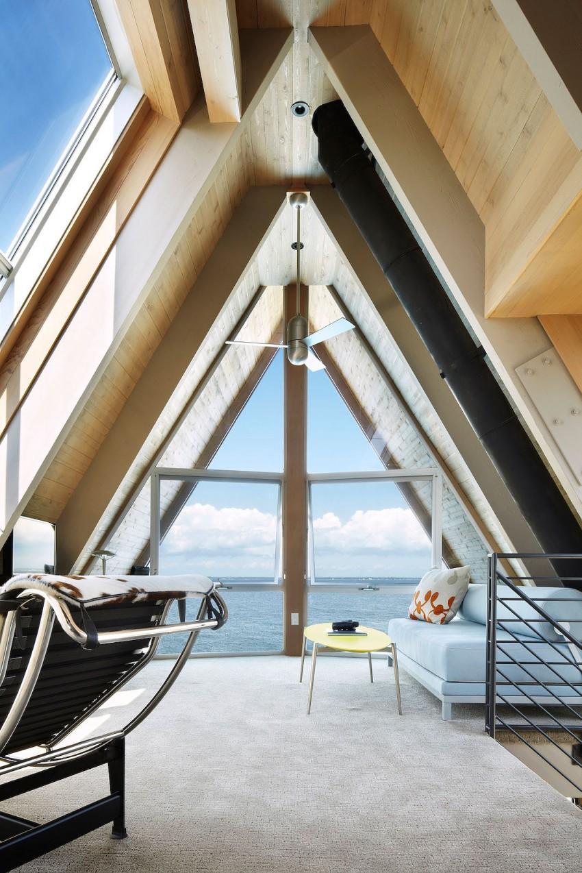 A-Frame-beach-house-den