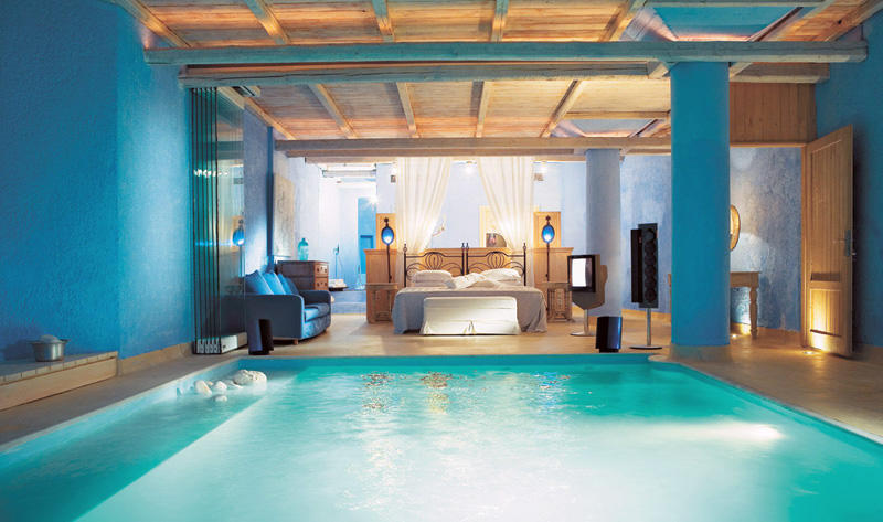 diaforetiko.gr : ad poolbedroom 23 10+3 υπνοδωμάτια με πισίνα! Ζηλέψατε;
