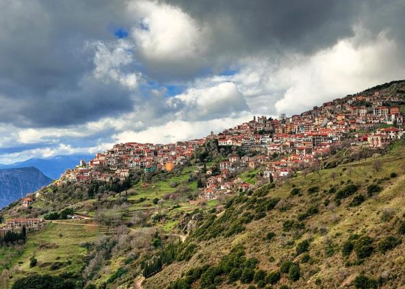 diaforetiko.gr : big arahova21 Τα 11 πιο όμορφα ελληνικά χωριά. Αντέχετε τόσο ομορφιά;