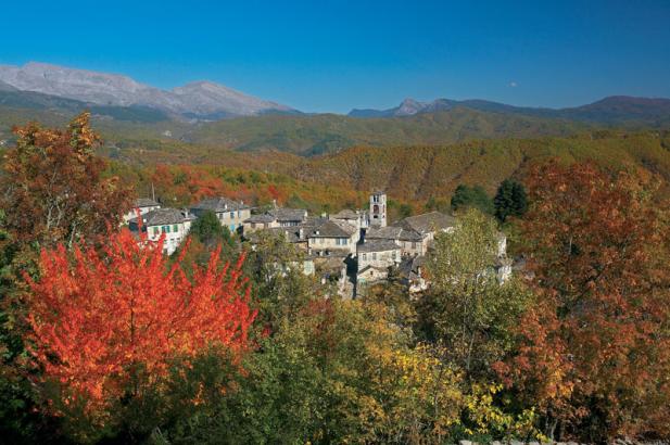 diaforetiko.gr : big dilofo3 Τα 11 πιο όμορφα ελληνικά χωριά. Αντέχετε τόσο ομορφιά;