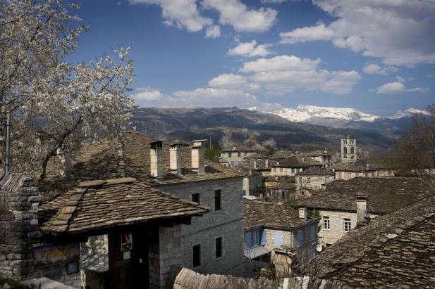 diaforetiko.gr : big dilofo5 Τα 11 πιο όμορφα ελληνικά χωριά. Αντέχετε τόσο ομορφιά;