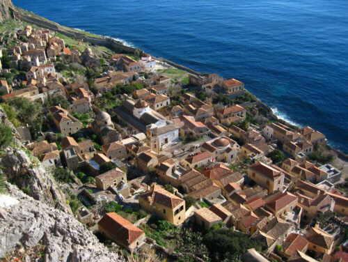 diaforetiko.gr : big monemvasia Τα 11 πιο όμορφα ελληνικά χωριά. Αντέχετε τόσο ομορφιά;