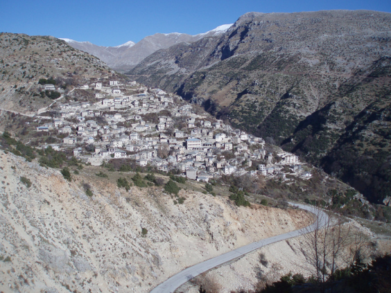 diaforetiko.gr : big syrrako3 Τα 11 πιο όμορφα ελληνικά χωριά. Αντέχετε τόσο ομορφιά;