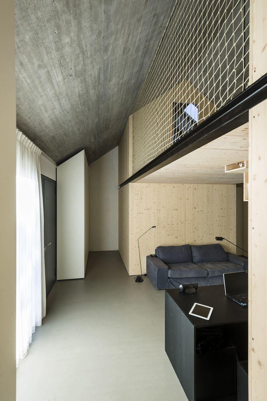 diaforetiko.gr : compact karst house dekleva gregori arhitekti interior design1 Εκπληκτικό! Εξοχικό σπίτι συνδυάζει άψογα την παραδοσιακή με τη μοντέρνα αρχιτεκτονική!!
